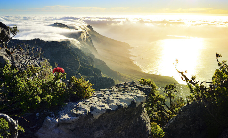 Table Mountain is one of the attractions that can be visited with Air Mauritius